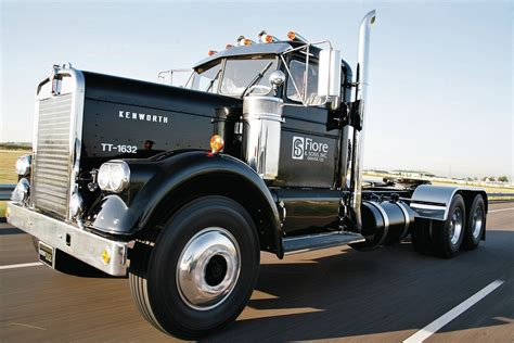 kenworth models history image gallery old kenworth trucks
