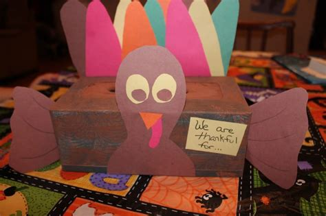 How To Make A Thanksgiving Turkey Out Of Construction Paper - 5 and easy thanksgiving crafts teaching and tapas