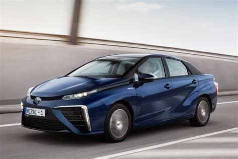 Hydrogen Toyota Toyota Mirai Hydrogen Fuel Cell Pictures Carbuyer Toyota