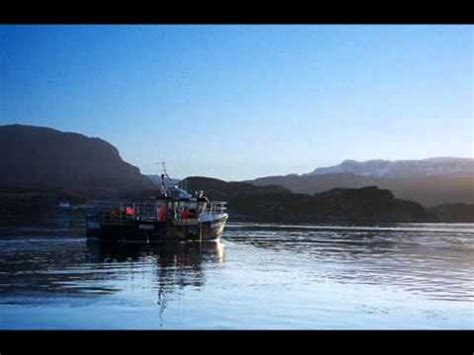 boat song video scottish bagpipes skye boat song youtube