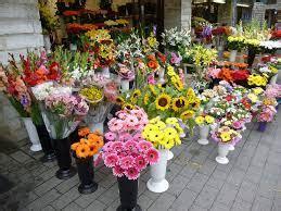 inviare fiori all estero inviare fiori a domicilio un gesto romantico ancora di moda