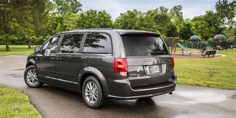 2014 dodge minivan 2014 dodge grand caravan review consumer guide auto
