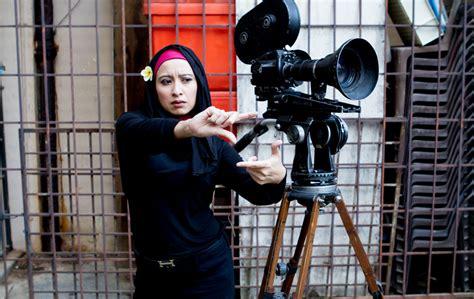 film malaysia jodoh sebelah pintu berat sebelah director melissa saila ikal mayang short