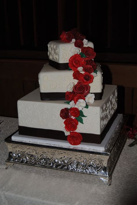 wedding cake pictures square idea   bella wedding