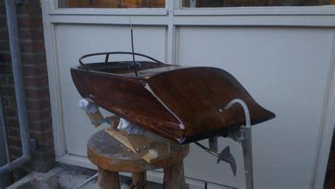 boten bouwen quot italiaanse quot speedboot 96 cm lang modelbouwforum nl