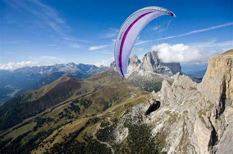 Swing Paragleiter by Astral 6 Swing Paragliders