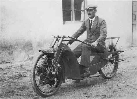 Motorradrennen Ostdeutschland by Fritz Cockerell Megola