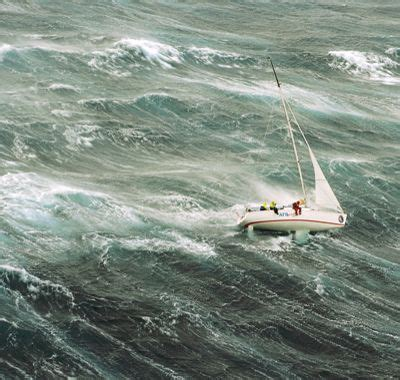 catamaran sailing heavy seas sailing the 1998 sydney hobart race in heavy seas