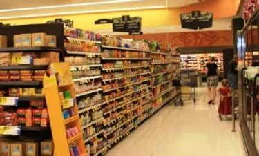 kroger health food section kroger working to become the king of health foods in