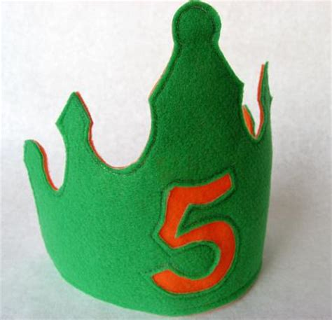 How To Make A Birthday Crown Out Of Paper - birthday crown print out pattern beginner knitters pattern