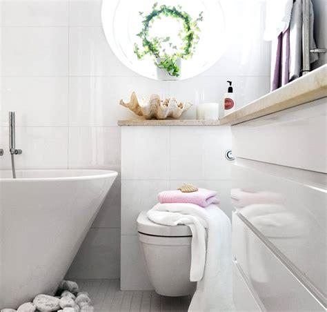 a nautical bathroom theme 3 ways