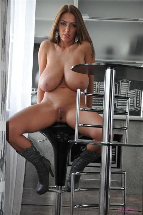 Super Cougar Huge Boobs Luscious