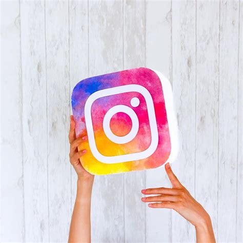 Find In Instagram It Or It Artists Are Already Remixing The New Instagram Logo In Amazing