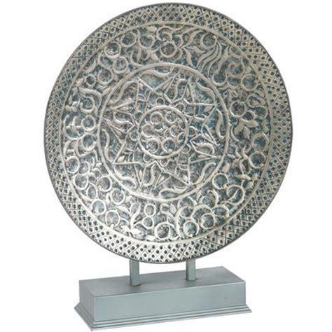 mozaiek l staand embossed pewter platter with stand knick knacks pinterest