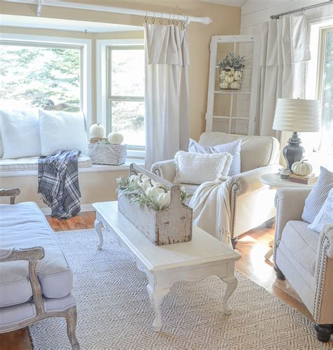 the front room farmhouse style fall decor in the front room