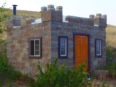 small houses that look like castles 49 best images about tiny houses on pinterest