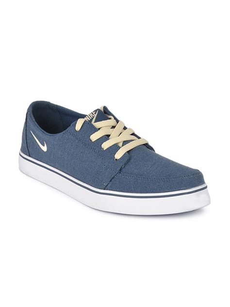 casual nike sneakers buy nike blue dewired casual shoes casual shoes for