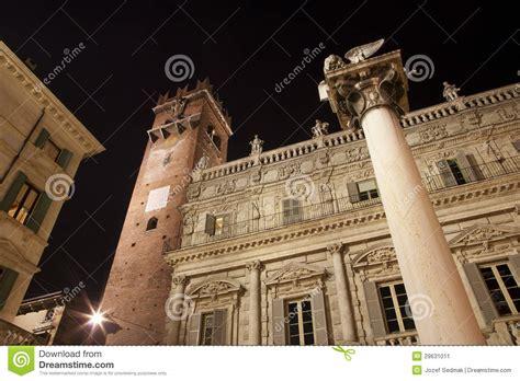 porta leona verona verona porta leona y palazzo maffei plaza erbe imagen