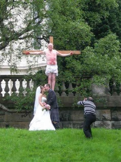 Different Wedding Photos by Different Wedding Fails 35 Pics Izismile