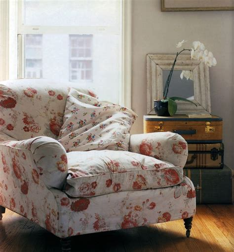Overstuffed Living Room Chairs Best 25 Floral Chair Ideas On
