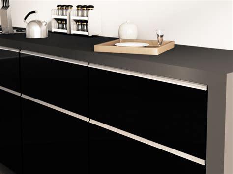 High Gloss / Matte Lacquered Cabinet Doors « Aluminum
