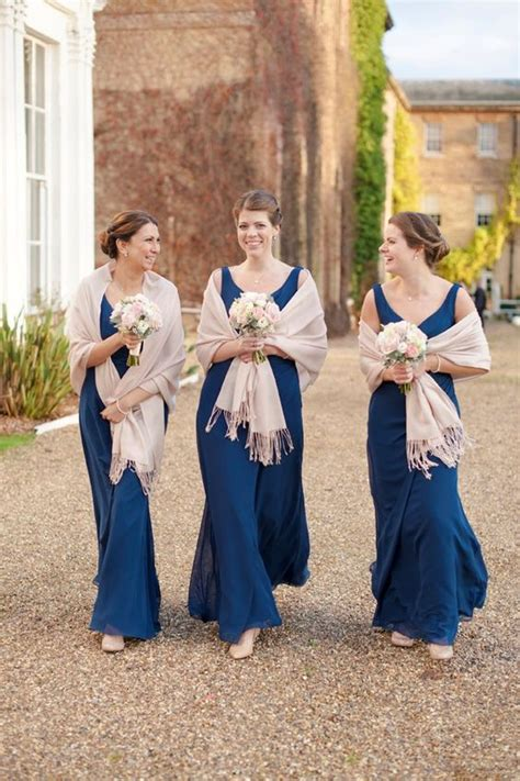 pleasurable winter scarf ideas for bridesmaid costumes