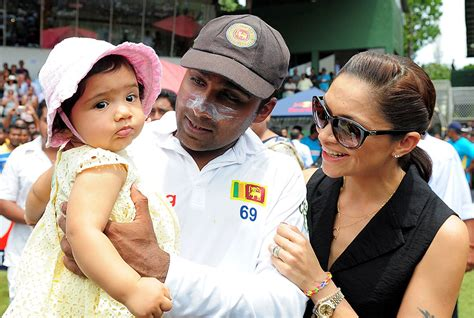 Tshirt V Entino Khan Db mahela jayawardene with his and baby photo