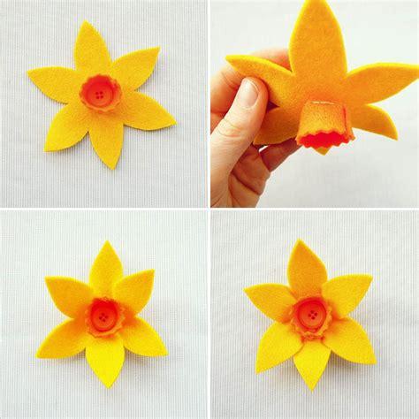 daffodil craft for diy felt daffodil daffodils felting and felt flowers