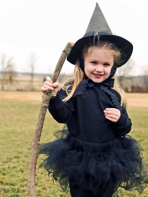 Handmade Witch Costume - diy costumes and makeup tricks easy crafts and