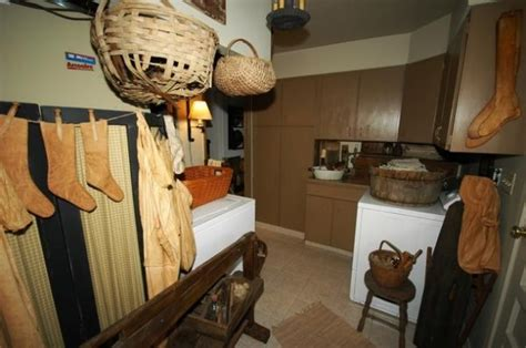 Primitive Laundry Room Decor Best 25 Primitive Laundry Rooms Ideas On Country Laundry Rooms Prim Decor And