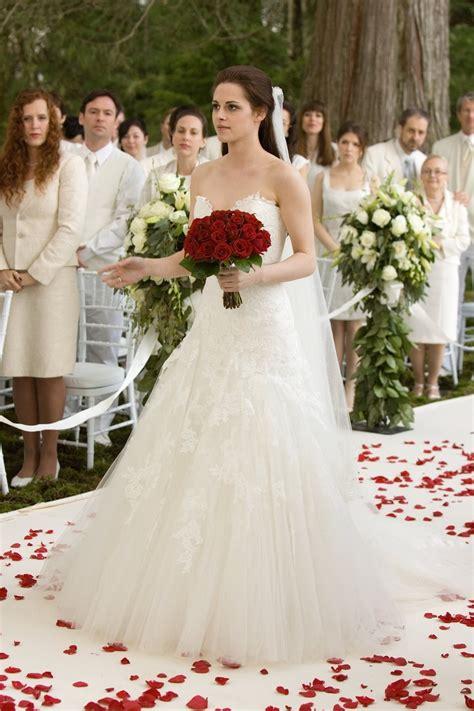 hochzeitskleid bella swan bella swan wedding dress in her dream wedding dress