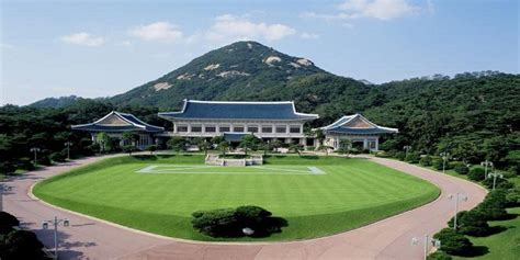 blue house korea north korea builds replica of south korea s presidential blue house for target
