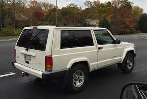 file jeep xj 1997 2001 sport 2 door in white