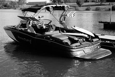 mastercraft boats tour behind the scenes at the mastercraft boat factory gear