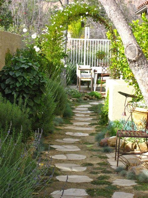 image of beautiful front yard landscaping pictures sloped