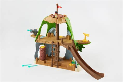 jake and the never land pirates tiki hideout disney s jake and the never land pirates magical tiki