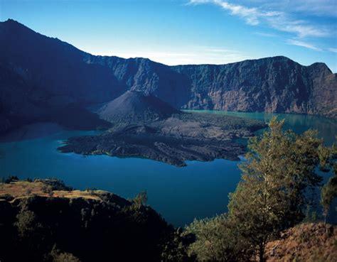 detiknews gunung agung bali gunung agung bali indonesia pinterest
