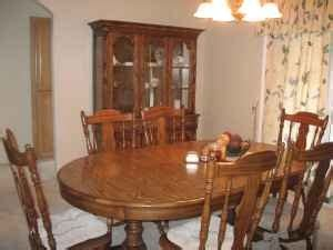 I Have A 1950 S Or Early 60 S Keller Early American Dining Early American Dining Room Furniture