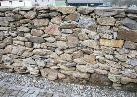 bruchsteinwand verfugen natursteinmauern bauen worauf es ankommt