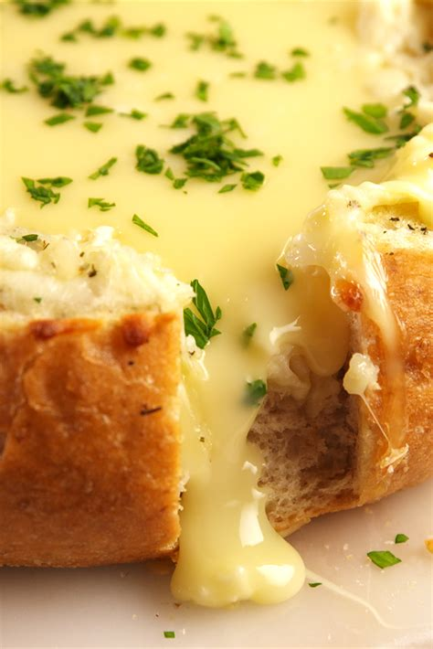 appetizers brie 9 easy baked brie recipes how to make baked brie cheese