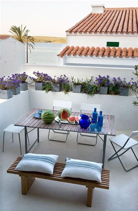 terrazzo arredato un posto al sole arredare l esterno arredi e mobili