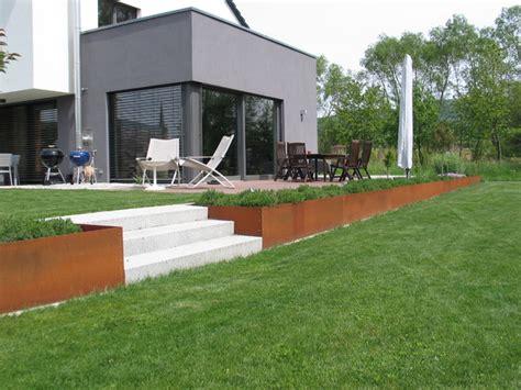 Stahl Im Garten by Modernen Garten Mit Hochbeet Aus Corten Stahl