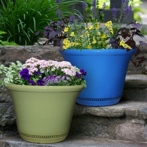 Hdr Planter by Hdr 22 5 Quot Westbourne Flange Planter Chili Southern Patio