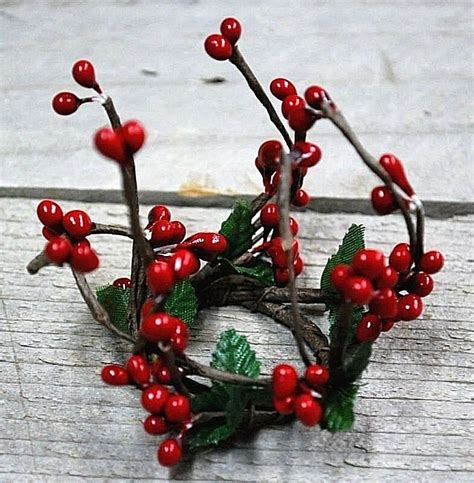 candle ring snow red berries 1 quot wispy pip berry taper candle ring ebay