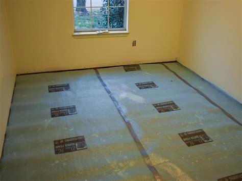 Laminate Flooring Diy How To Install A Laminate Floor How Tos Diy