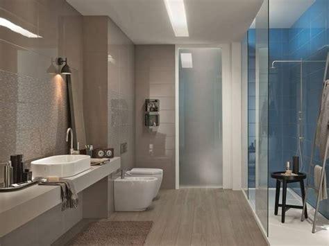 idee per piastrellare un bagno posa piastrelle bagno consigli rivestimenti posare le
