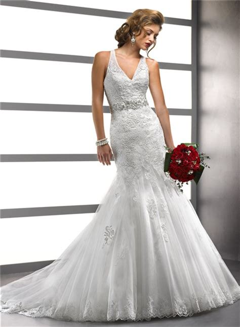 fashion mermaid v neck tulle wedding dress with