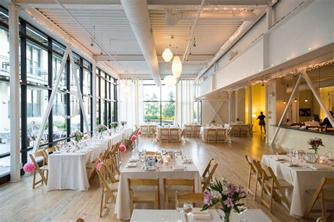 Photography ? Chicago Wedding Venue   Greenhouse Loft