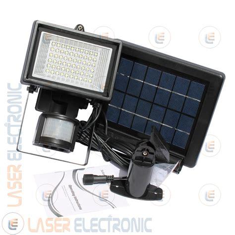 illuminazione a batteria faretto a led con pannello solare e batteria a litio