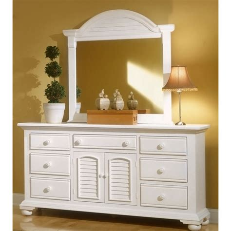 white panel bedroom set cottage traditions white bedroom set with panel bed dcg